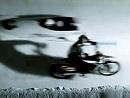 Chris Pfeiffer (Motorrad) vs. Christoph Langen (Bob) in der Bobbahn - wer ist schneller?