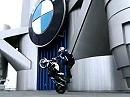 Chris Pfeiffer Stunts auf dem BMW Tower in München.