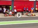 Crash: Alvaro Bautista räumt Mechaniker beim Flag to Flag Wechsel ab