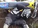 Motorrad Crash beim Husaberg Sprung. Dem tun die Nüsse ein paar Tage weh ;-)