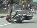 Crash direkt beim Start: die dümmste Art ein Rennen zu beginnen