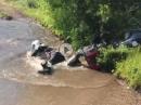 Crash: Fährt ein Boxer durch ein Wasserloch ...