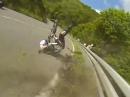 Crash in die Leitplanke - zum Glück eine mit Unterfahrschutz!