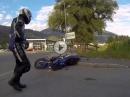 Crash Kreisverkehr: Wollte nur ein bissi Knieschleifen üben ...