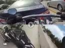 Crash kurios: Einschlag in Heckklappe und blinder Passagier