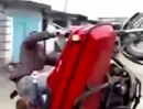 Crash: Motorradgespann neu, Wheelie, Probefahrt kurz, Lackschäden