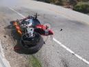 Crash und Feuer: Aprilia V4 1100 Tuono übers Vorderrad geschrottet