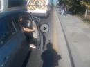 Crash ... weil, plötzlich ging die Autotür auf und Einschlag