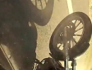 Crash: Wer auf dem Bike zu lange träumt, wird meist vom Schicksal abgeräumt