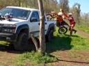 Die grobe Art ein Motorrad zu verladen: Crash, kann man so machen, tut aber weh :-)