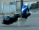 Crazy Motorradstunt Crash Nick Apex: Wir lernen: Mit dem Arsch kann man nicht kucken!