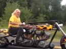 Custombike Was ist besser als ein Harley-Motor? Na zwei Harley Motoren