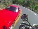 Beinah Motorradunfall: Datsun zu schnell, Motorrad nicht schnell - Glück gehabt