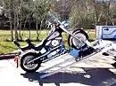 Dekadent: Motorrad entladen für Geldsäcke ;-)
