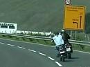 Denis und seine Autobahnmofa - Die 100 km/h knackt die Kreidler Flory locker