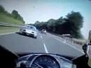 Abgeledert, Hergebrannt - Bugatti Veyron vs. Yamaha R1 auf der Autobahn
