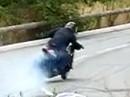 Die geilste Art ein Motorrad ums Eck zu prügeln - im Drift