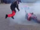 Donut Kringeldreher - Motorrad spielt fangen, sickest trick