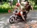 Dreist! Motorrad geklaut mit dem Melonen Trick