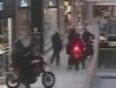 Dreist: Motorradbande klaut in Einkaufszentrum Juwellen für 3 Mill Dollar