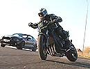 Drift Orgie: Yamaha Fazer vs. Mustang Shelby GT 500 Geht abartig vorwärts