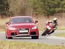Ducati 1199 Panigale S vs. Audi TT RS plus von Auto Bild