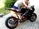 Motorrad Brand Inferno auf Knopfdruck - Ducati entsorgt sich selbst