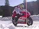 Ducati Desmosedici im Schnee: Nicky Hayden und Valentino Rossi - Faster