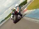 Ducati Diavel auf der Rennstrecke - macht eine gute Figur (via MCN)