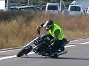 Ducati Monster 900 Stunt-Riding - Crazy Demons
