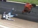 Ein Wheelie Crash auf der Autobahn geht massiv auf Knochen und Material