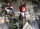 EnduroPorn - Extrem Trail - links abbiegen tödlich, recht ist kein Platz