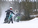 Entsichert: Crosser vs Supersportler - Winterspiele in finnischen Wäldern