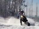 Schnee ist geil - wetten! Schneecross: Räder ab, Bretter dranne und Attacke! Geile Aufnahmen!