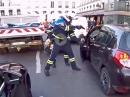 Fahrflucht: Fußgänger umgefahren, abgehauen - aber nicht mit Nikolaus!