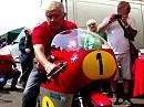 Festival of 1000 Bikes Mallory Park: Giacomo Agostini startet seine MV Agusta, Sound ON