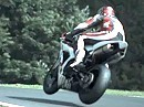 Flugstunde - lautlos aber geil in Super Slowmotion: Mountain Cadwell Park