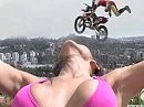 FMX Lady in Pink was für die Augen - High and Low