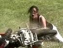 """Motorradunfall: Ich sach noch: """"Mädel Wheelie musste übern sonst fällste aufs Maul"""""""