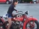 Frauenpower - Indian Motorcycle mit Tankschaltung - taff