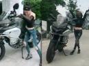 Frauenpower! Zu klein gibts nicht! Ducati vs. Kleene ;-)