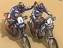 Dakar 2011- Giovanni Sala - Fabrizio Meoni begrüßen sich bei Vollgas ;-)