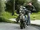 Crash: Vollgas, Sprung und auffe Fresse - auch mit wenig Leistung will springen gelernt sein.