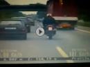"""Geil """"Ich war auf der Flucht, deswegen rechts überholt..."""" Motorradfahrer argumentiert bei der Polizei"""