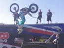 Geil: Motorrad verladen via Backflip mit Jack Field - BOSS