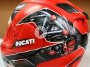 Geile Idee: Airbrush Arai GP in geilem Ducati Design
