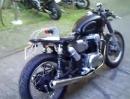 Gestohlen: Kawasaki W 650 - Junkyard Dog - und teilen!