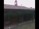 Gewollter Motorrad Crash wegen Sprung vom Hausdach - Drogen?!