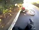 Glatteis: Glimpflicher Sturz durch eisige Straße