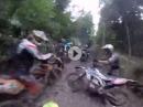 Go hard or go home! Gaskranker Motocrosser im Schlamm: - Braapp